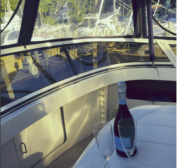 Bubbly on the boat